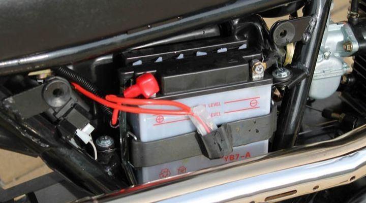 sustituir-bateria-moto
